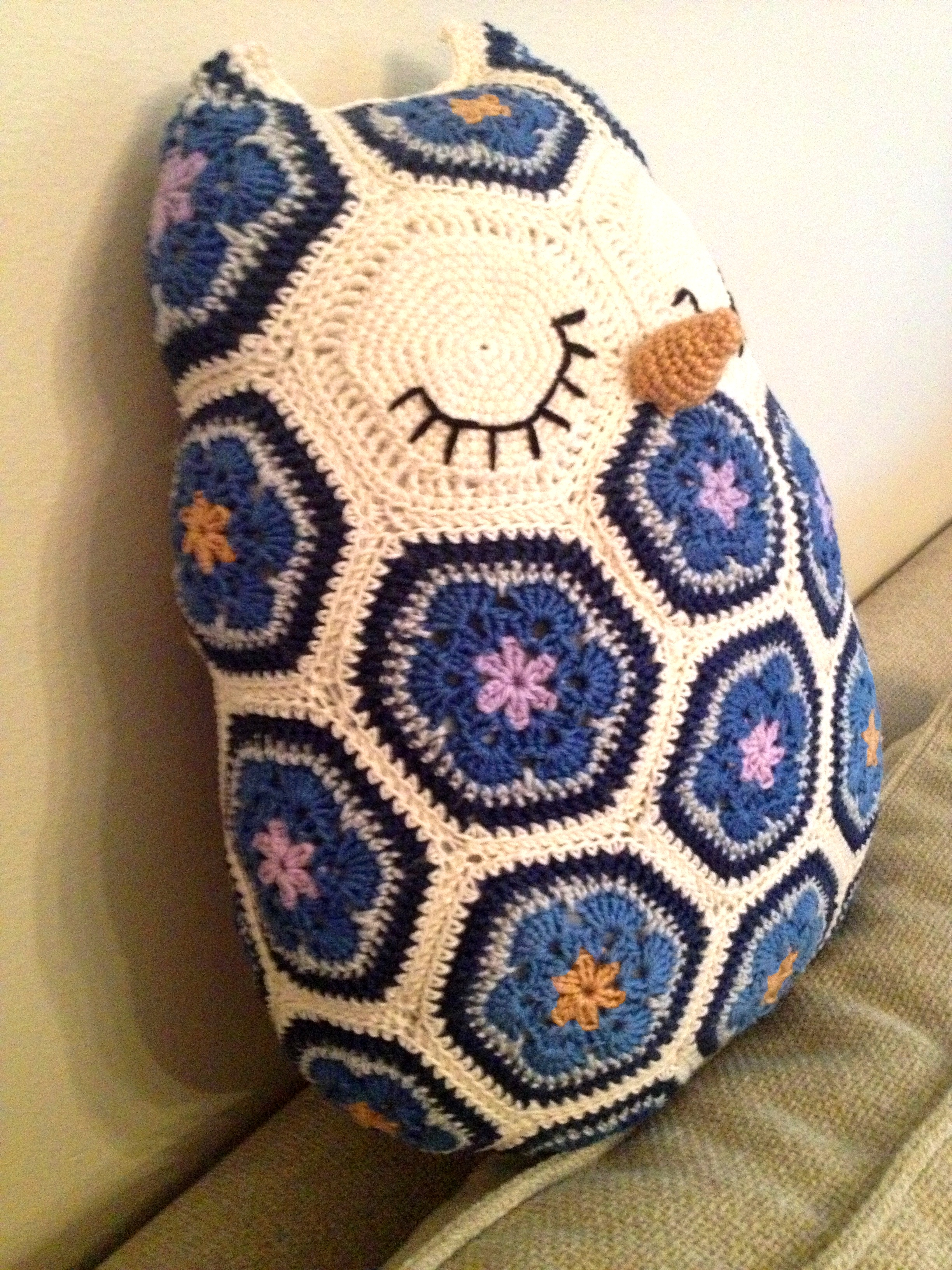 Free Crochet Pattern For Owl Pillow : crochet african flower owl 3 JOs Crocheteria